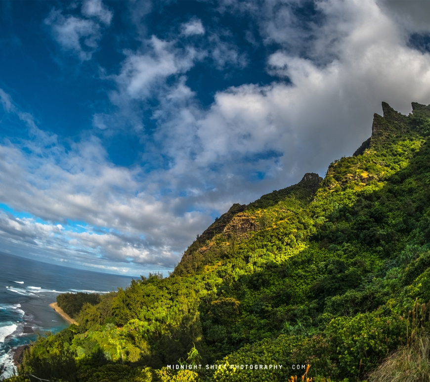 The Nā Pali Coast as seen from the Kalalau Trail on the island of Kauai, Hawaii.