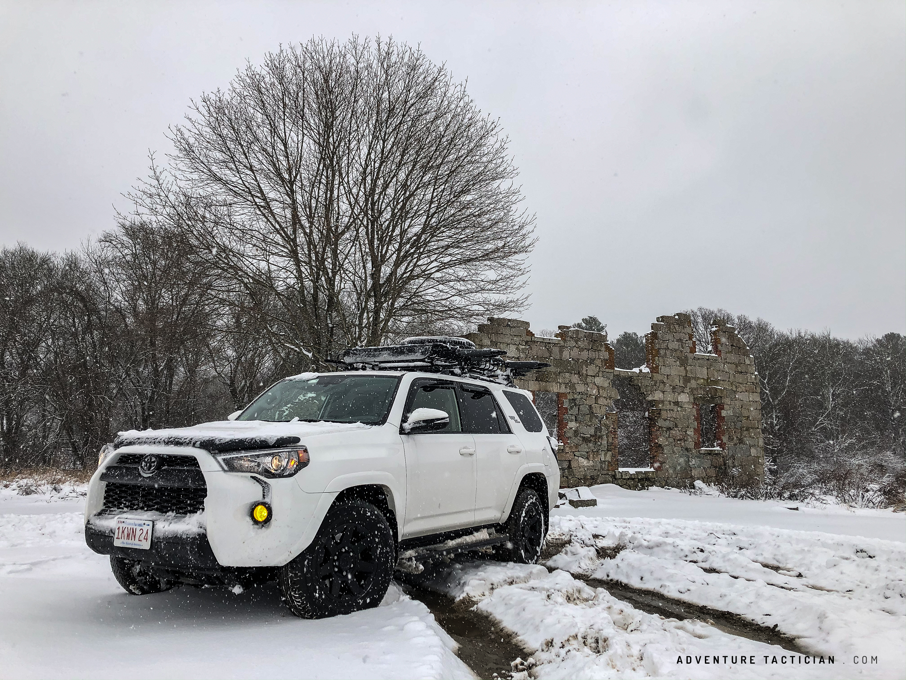 5th gen toyota 4runner in the snow
